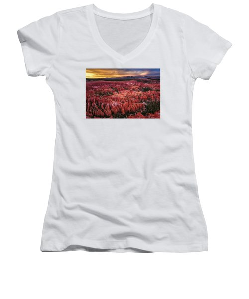 Bryce Canyon In The Glow Of Sunset Women's V-Neck