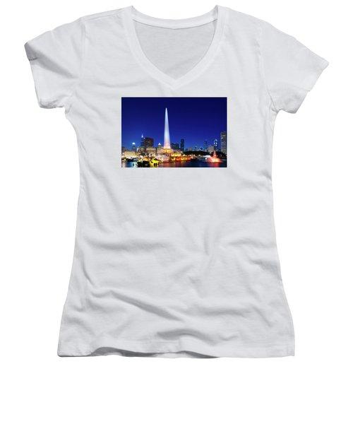 Women's V-Neck T-Shirt featuring the photograph Buckingham Fountain by Sebastian Musial