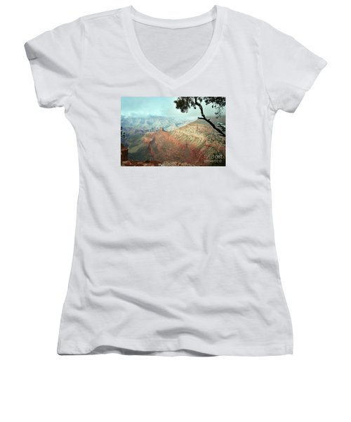 Canyon Captivation Women's V-Neck T-Shirt
