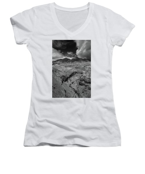 Canyon Relief Women's V-Neck