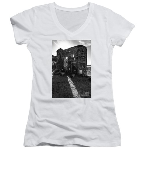 Photographs Of Cornwall Carnon Mine Women's V-Neck T-Shirt (Junior Cut) by Brian Roscorla