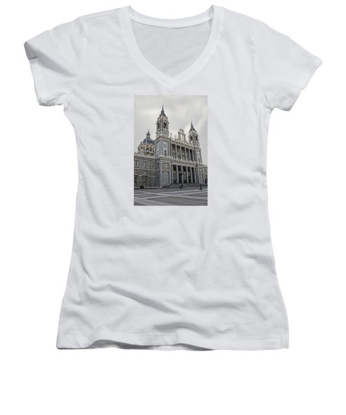 Catedral De La Almudena Women's V-Neck T-Shirt
