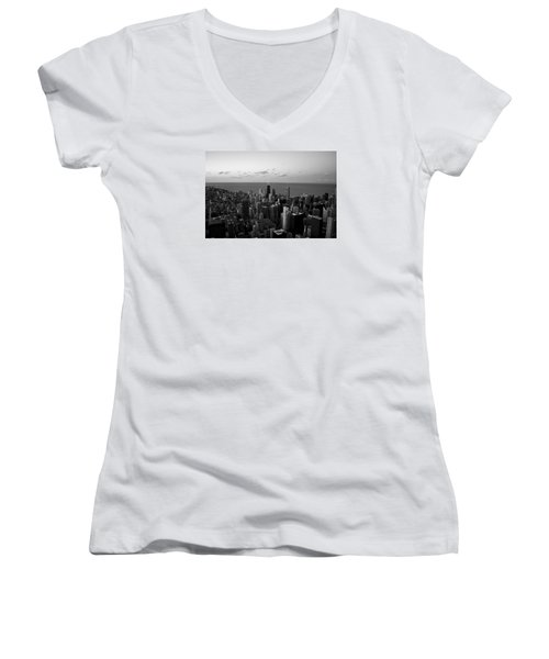Women's V-Neck T-Shirt (Junior Cut) featuring the photograph Chicago Skyline Bw by Richard Zentner