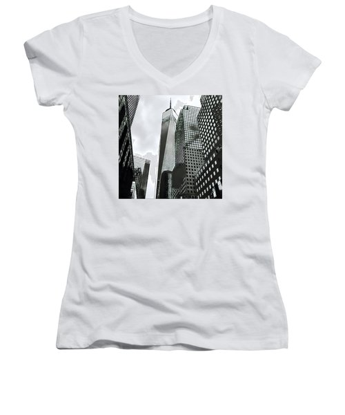 Commuters' View Of 1 World Trade Center Women's V-Neck T-Shirt