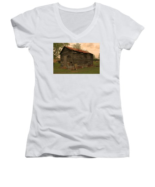 Corn Shed Women's V-Neck T-Shirt