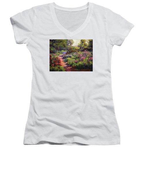 Countryside Gardens Women's V-Neck
