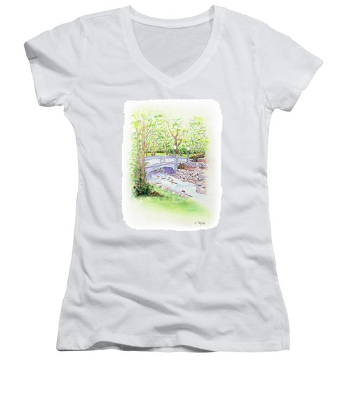 Creekside Women's V-Neck