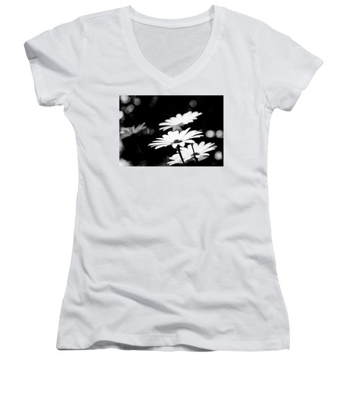 Daisies In Black And White Women's V-Neck (Athletic Fit)