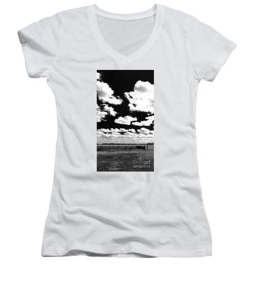 Dark Country, La.  Women's V-Neck (Athletic Fit)