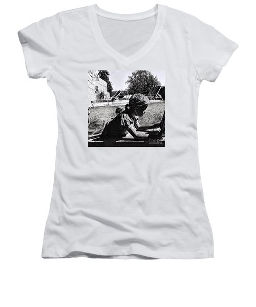 Daydreams Women's V-Neck T-Shirt