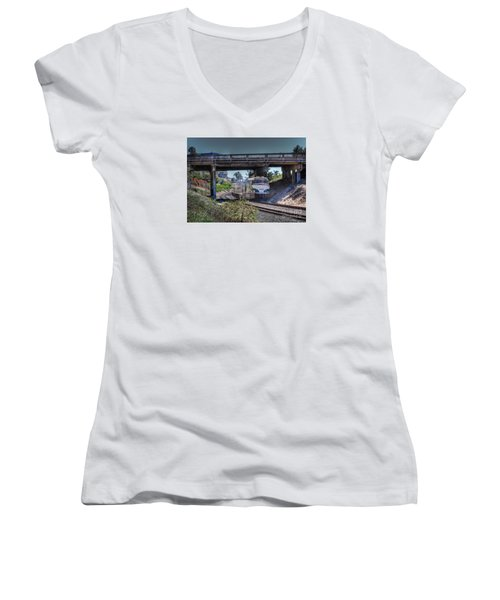 Del Mar Amtrak Women's V-Neck (Athletic Fit)