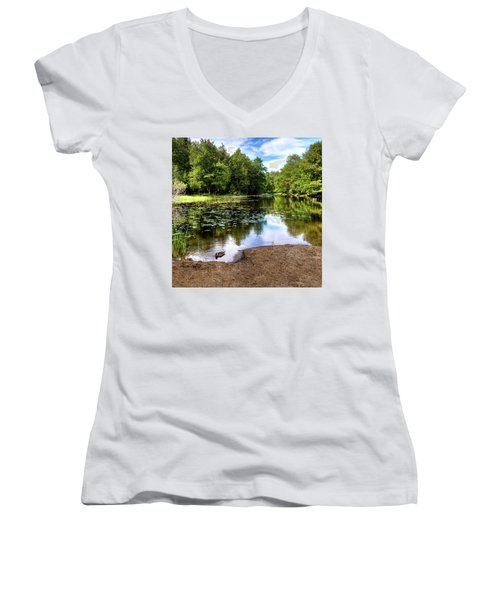 Women's V-Neck T-Shirt featuring the photograph Duck At Covewood by David Patterson