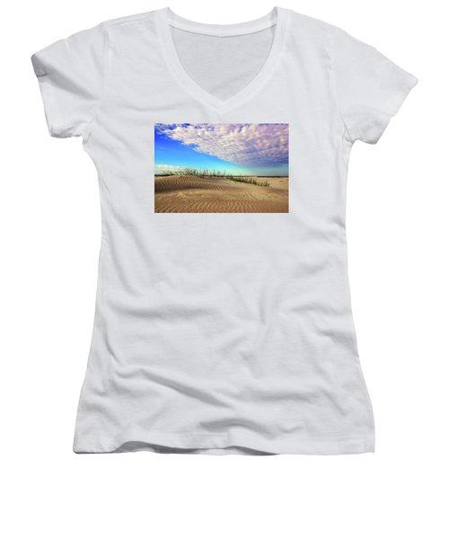 Dunes Women's V-Neck