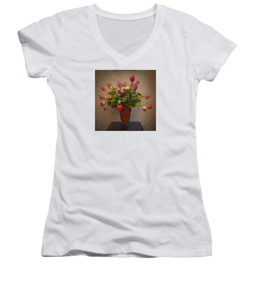 Dutch Flowers Blooming Women's V-Neck T-Shirt (Junior Cut)