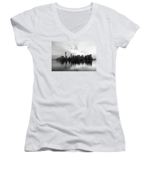 Early Morning In Manhattan Women's V-Neck T-Shirt