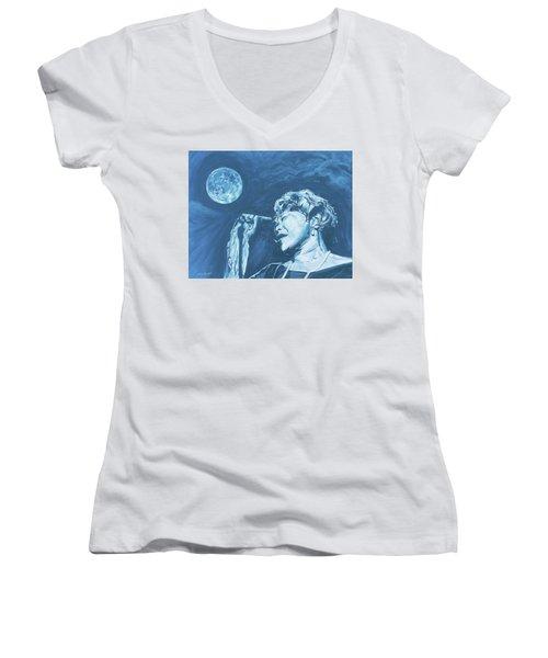 Ella Singing 'blue Moon' Women's V-Neck (Athletic Fit)