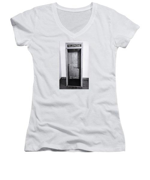 Empty Calling Women's V-Neck T-Shirt