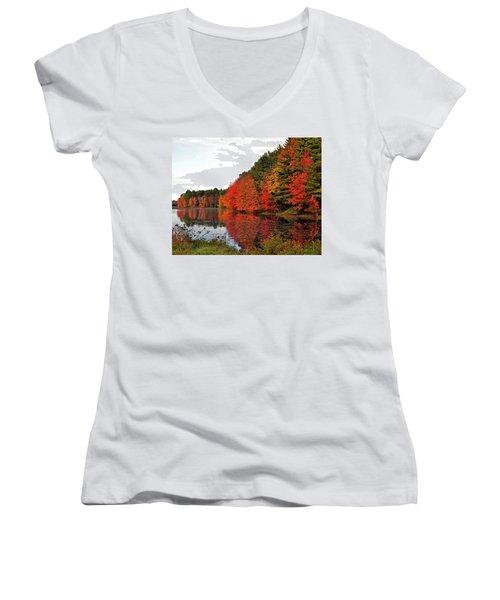 Fall Colors In Madbury Nh Women's V-Neck T-Shirt (Junior Cut) by Nancy Landry