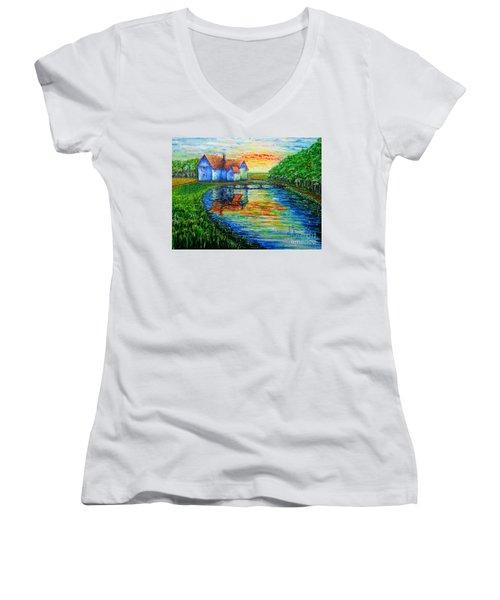 Farm House Women's V-Neck T-Shirt
