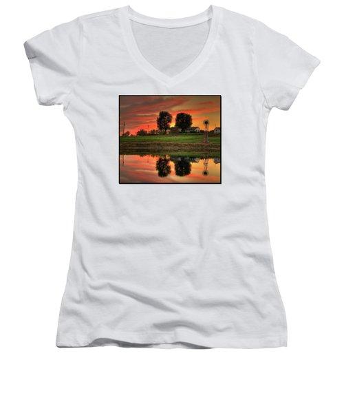 Farm Sunset Women's V-Neck T-Shirt (Junior Cut)