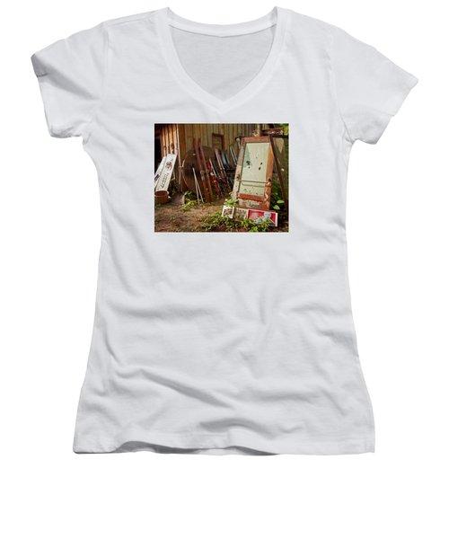 Farmhouse Antiques Women's V-Neck T-Shirt