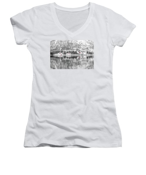 Feels Like Home Women's V-Neck T-Shirt