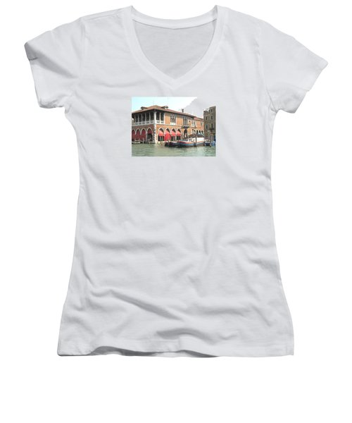 Fish Market Venise Women's V-Neck T-Shirt