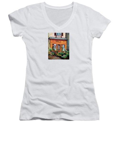 Fleurs Women's V-Neck T-Shirt (Junior Cut)