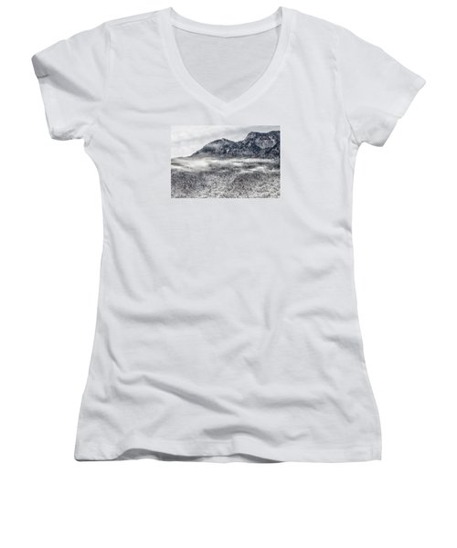 Snowy Grandfather Mountain - Blue Ridge Parkway Women's V-Neck T-Shirt