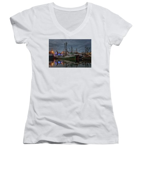 Women's V-Neck T-Shirt (Junior Cut) featuring the photograph Full House 2 by Randy Hall