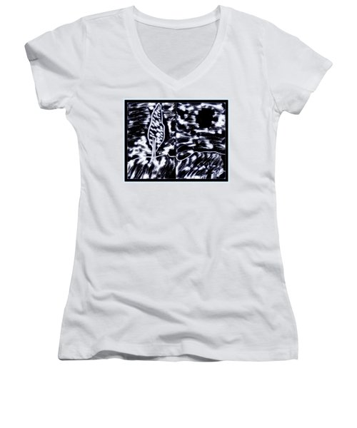 Fun In Trees 10 Women's V-Neck