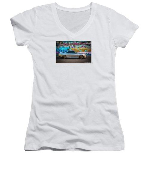 Gamera_r33 Women's V-Neck T-Shirt
