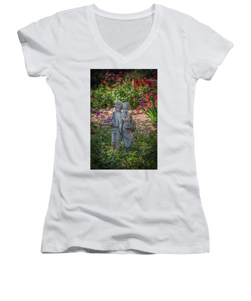 Garden Lovers Women's V-Neck T-Shirt