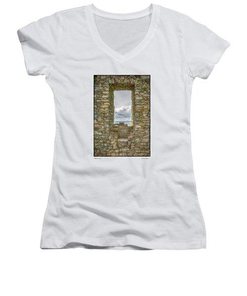 Harlech Cloud Women's V-Neck T-Shirt