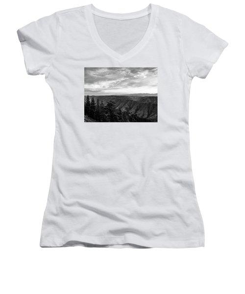 Hells Canyon Drama Women's V-Neck T-Shirt