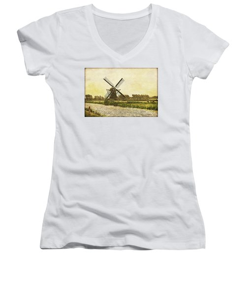 Holland - Windmill Women's V-Neck (Athletic Fit)