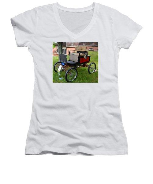 Horseless Carriage-c Women's V-Neck