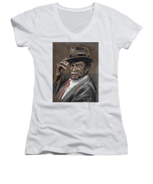 Howdy Ma'am Women's V-Neck T-Shirt