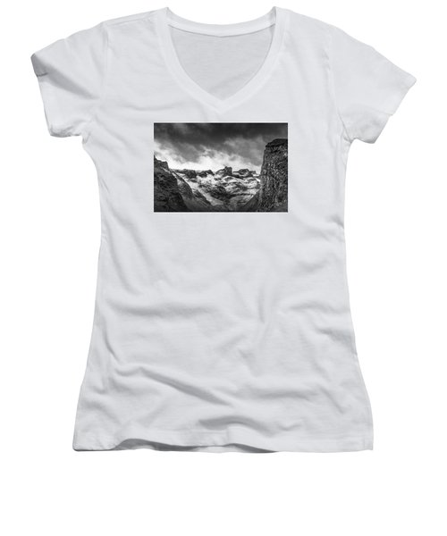 Impass Women's V-Neck