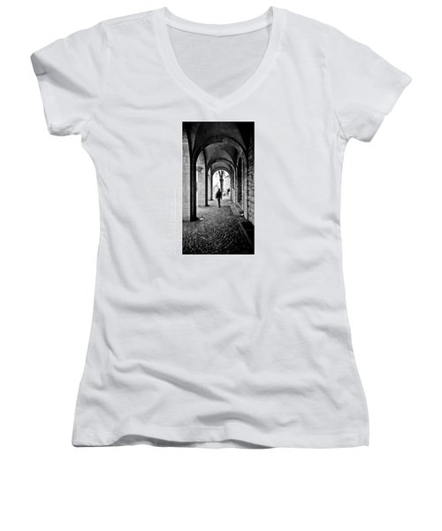 Kamera: #canon #ixus X-1 (aps) Film: Women's V-Neck T-Shirt (Junior Cut) by Mandy Tabatt