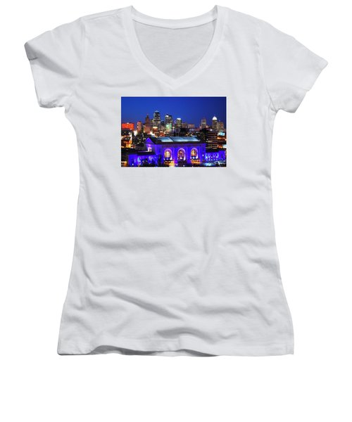 Kansas City Skyline At Night Women's V-Neck T-Shirt (Junior Cut)
