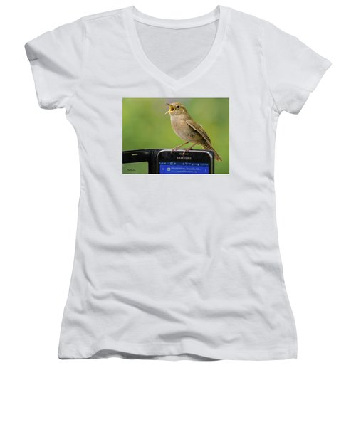 Karaoke Wren Women's V-Neck