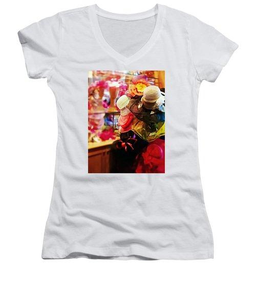 kentucky Derby Hats Women's V-Neck T-Shirt