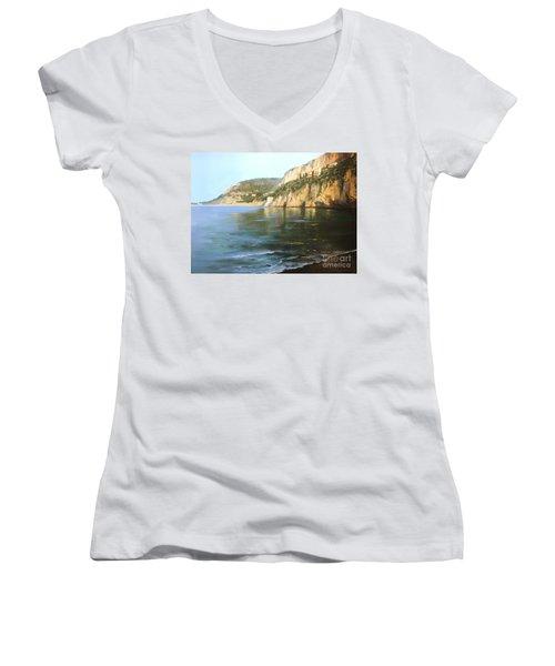 La Mala Women's V-Neck T-Shirt