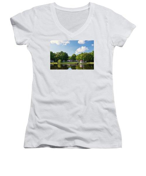 Larry Buckner - King George Women's V-Neck T-Shirt (Junior Cut) by Dana Sohr