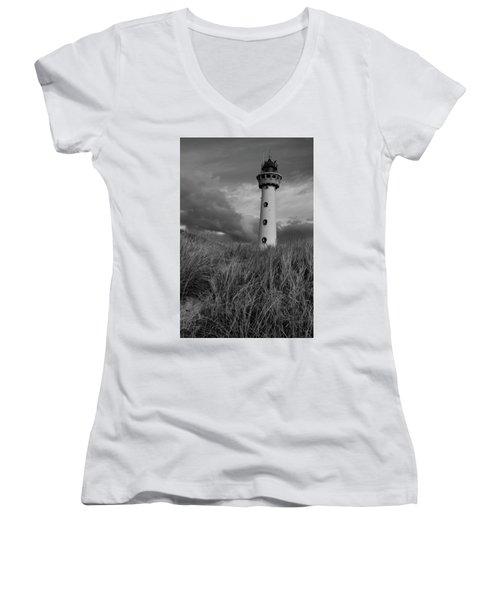 Lighthouse Bw Women's V-Neck T-Shirt