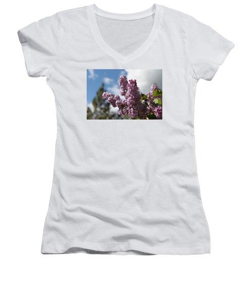 Lilacs 5547 Women's V-Neck