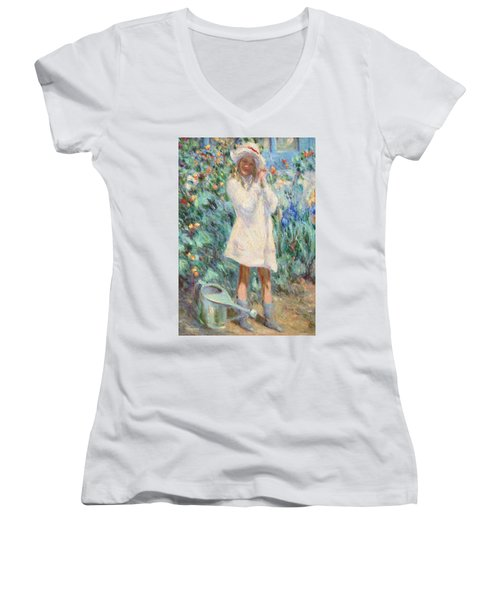 Little Girl With Roses / Detail Women's V-Neck T-Shirt