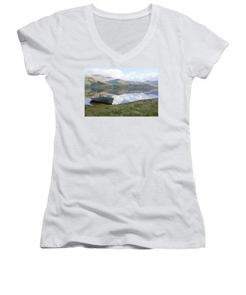Loch Beg Reflects Women's V-Neck
