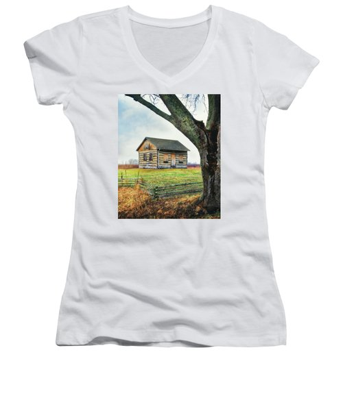 Log Cabin - Paradise Springs - Kettle Moraine State Forest Women's V-Neck T-Shirt (Junior Cut) by Jennifer Rondinelli Reilly - Fine Art Photography